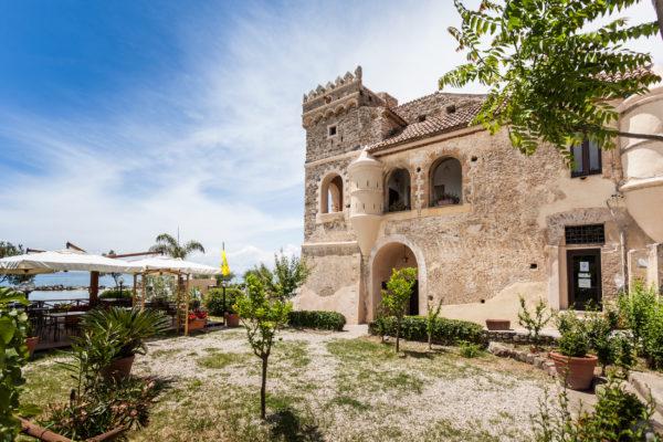Palazzo Vinciprova Castello Pioppi